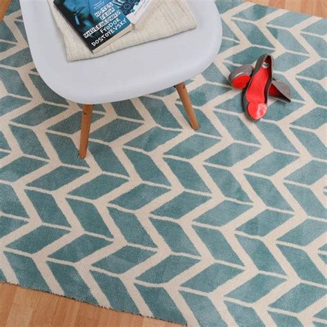 chevron rug living room 25 best ideas about chevron rugs on pinterest teal