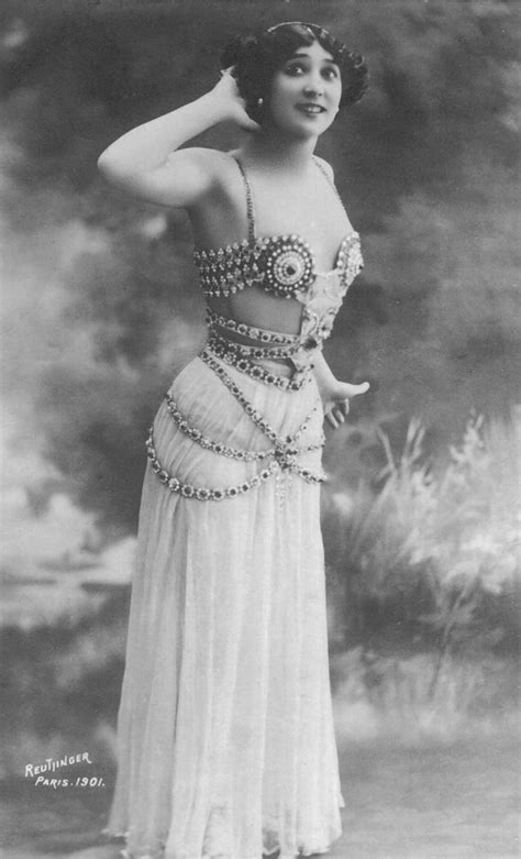 La Belle Otero in an orientalizing costume for the Folies