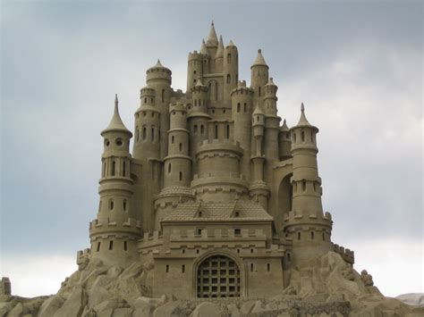 A Castle Of Sand 24 sand castles that are legit works of smosh