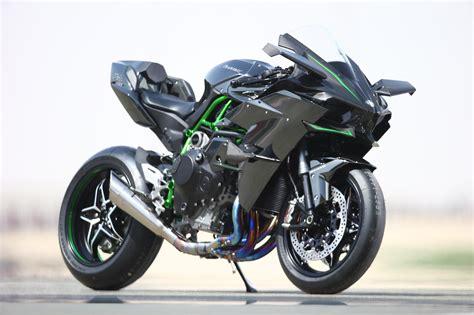 kawasaki ninja  und   test  katar motorrad fotos