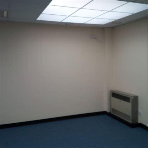 plain room a dual projection system at a local hospital pc trends ltd