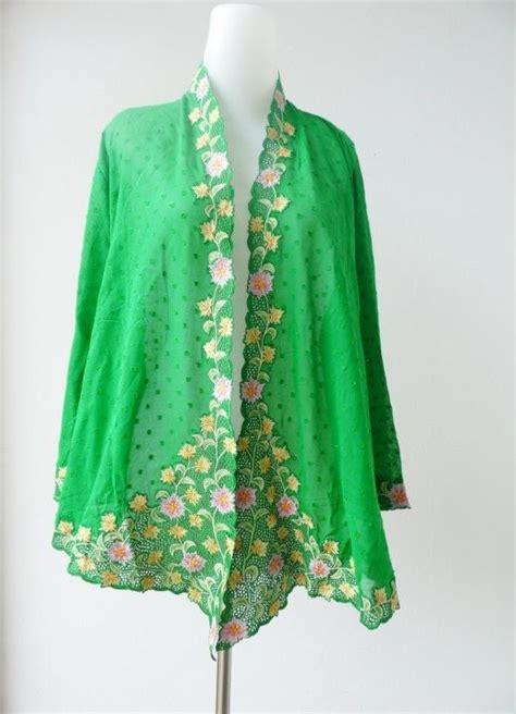 batik pesona anggun baju kurung batik baju kurung batik kebaya encim fashion inspiration kebaya