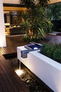 Lighting Backyard Les 25 Meilleures Id 233 Es De La Cat 233 Gorie Cascade De Jardin