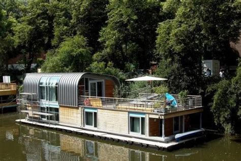 houseboat berlin houseboat berlin houseboats no vessels and barges