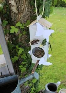 id 233 e bricolage recyclage une mangeoire pour oiseaux