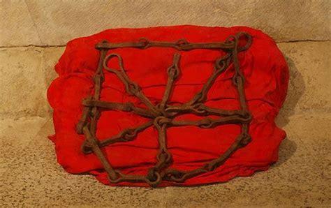 cadenas navarra escudo herencia ancestral espa 209 ola la carga de los tres reyes