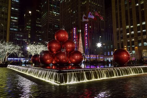 wallpaper city night water red reflection  christmas holiday christmas lights
