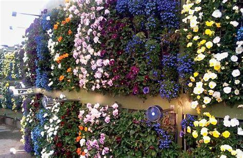 recycled vertical garden taman hijau ramah lingkungan