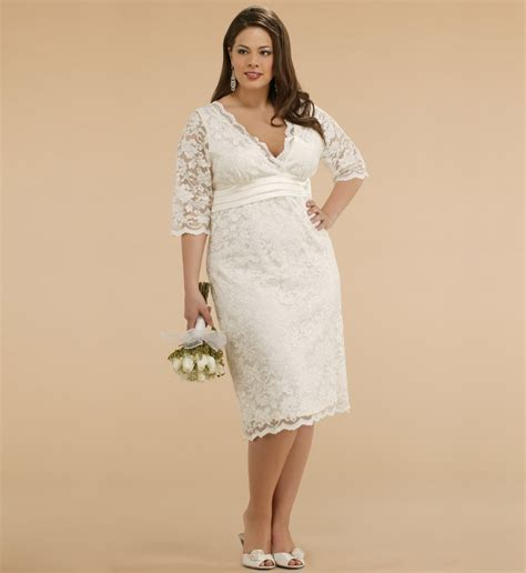 Ten Plus Size Lace Wedding Dresses That You Will Love
