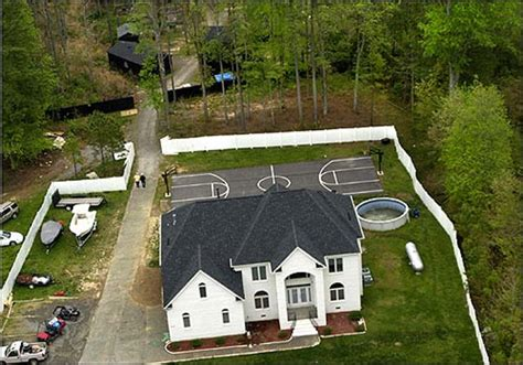 michael vick dog fighting house what happened to michael vick s fighting dogs after the rescue