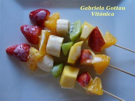 brocheta de fresas y frambuesas receta saludable brochetas de frutas ingredientes