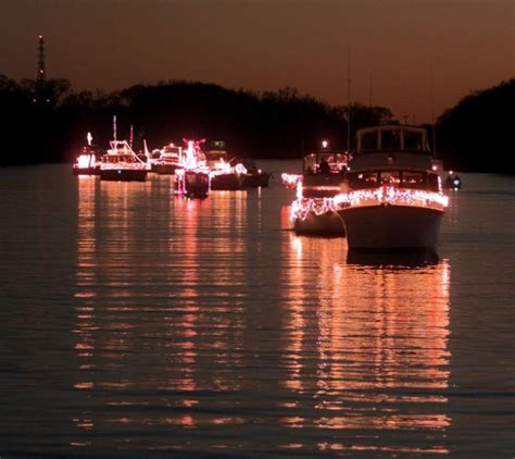 boat lights on the james gallery james river parade of lights through the years
