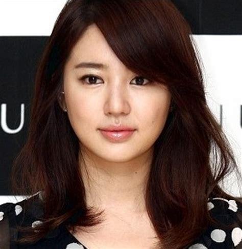 daftar model potongan rambut pendek sebahu wanita terbaru