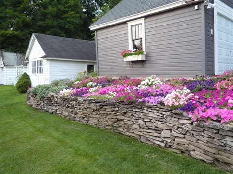Flower Beds Around House View Topic Show Us Your Old Pictures Of Flower Gardens In Front Of House