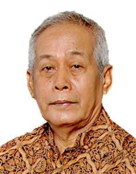 Arkeologi Budaya Indonesia By Jakob Sumardjo jakob sumardjo tokoh indonesia tokohindonesia tokoh id