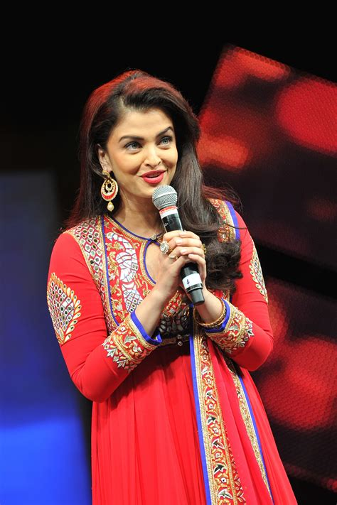 aishwarya rai bachchan wikipedia file aishwarya rai bachchan at asiavision movie awards
