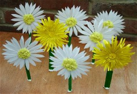 How To Make Paper Daisies - paper flowers and guiding swaps ideas4kids