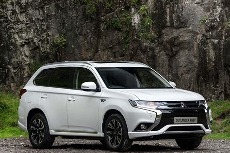 mitsubishi outlander 2016 white 2016 mitsubishi outlander phev review uk first drive