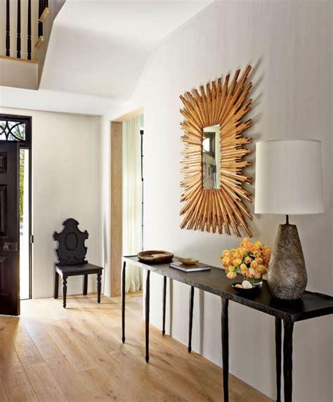 guests   summer hallway decor