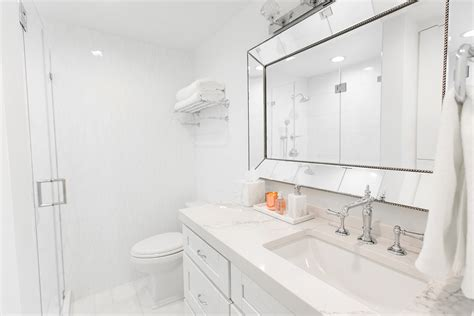 White Marble Bathrooms by White Marble Bathroom Decor Ideas Home Redesign