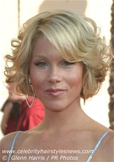 christina applegate hairstyles 33 best images about hairstyles on pinterest short pixie