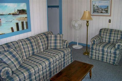Ebb Tide Cottage by Choose From One Two Or Three Bedroom Cottages With