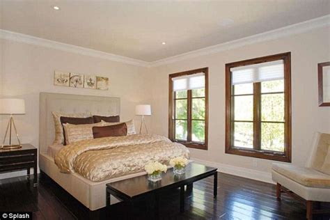 kim kardashian bedroom furniture kim kardashian sells her beverly hills pad for 5 million and includes all of the