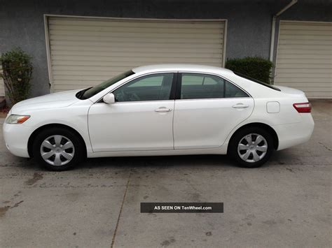 White Toyota 2007 White Toyota Camry Le With Extended Warrantly