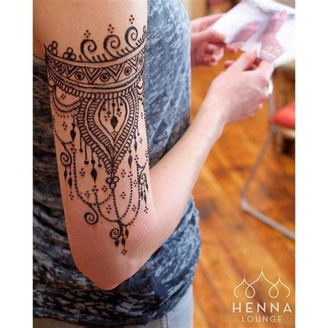 henna tattoo directions one in every of my clients studying the after care