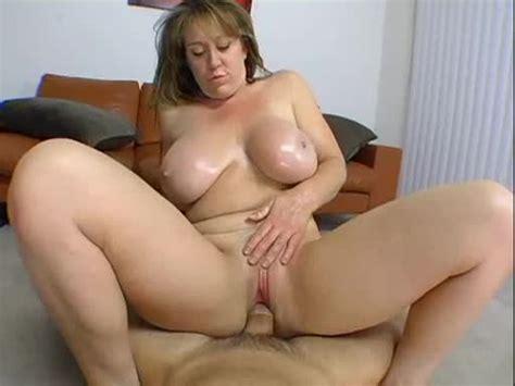 Curvy Amateur In Homemade Milf Porn Milf Porn