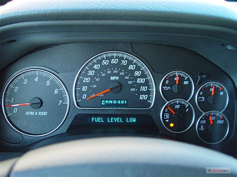 old car manuals online 2003 gmc envoy instrument cluster image 2005 gmc envoy xl 4 door 2wd slt instrument cluster size 640 x 480 type gif posted