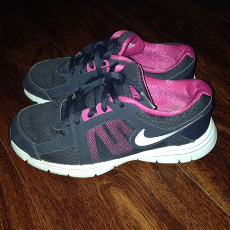 youth shoes size 3 64 nike shoes size 3 youth nike shoes from