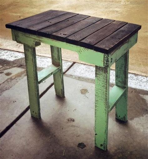pallet end tables diy pallet end table plans pallet wood projects