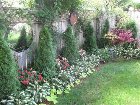 how to reduce highway noise in backyard 1000 ideas about privacy fence landscaping on pinterest
