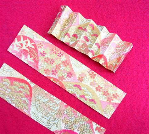 Origami Paper Cutting - pretty in pink favors with 80s deco flair mirror80