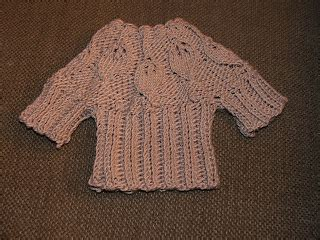 Swaeter Leaf 2 theyarnwhisperer leaf baby sweater