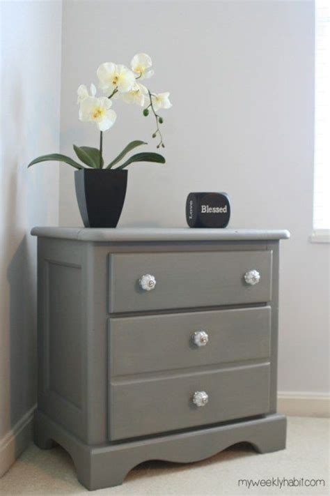 chalk paint nightstand 25 best ideas about refinished nightstand on