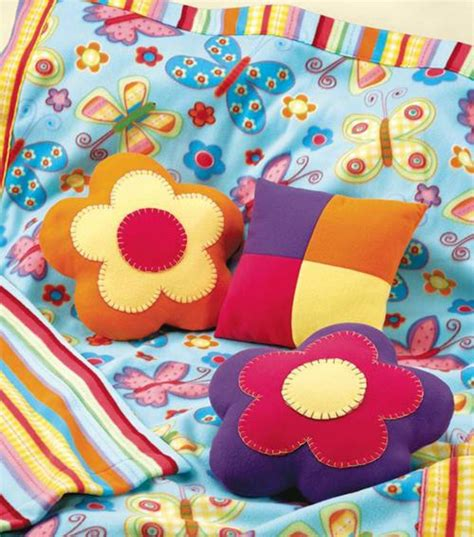 fabric crafts fleece diy fleece blanket and flower pillows