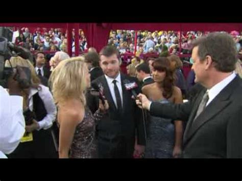sam worthington oscar sam worthington from avatar on the red carpet at the