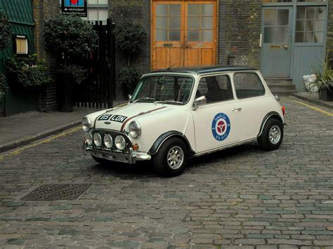 Old Mini Interior Classic Mini Cooper Hire London Wedding Cars In London