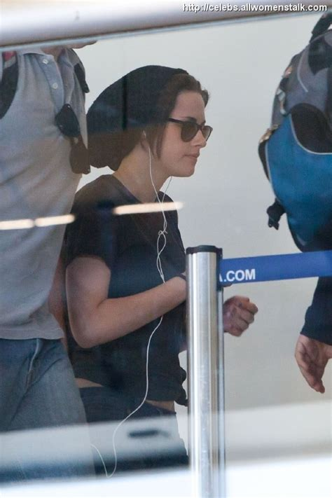 Guess Spot Giving Paparazzi The Finger by Will Kristen Stewart S Attitude Towards The Paparazzi