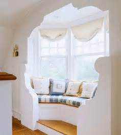 How To Decorate A Bay Window Bay Window Decorating Ideas Shelterness