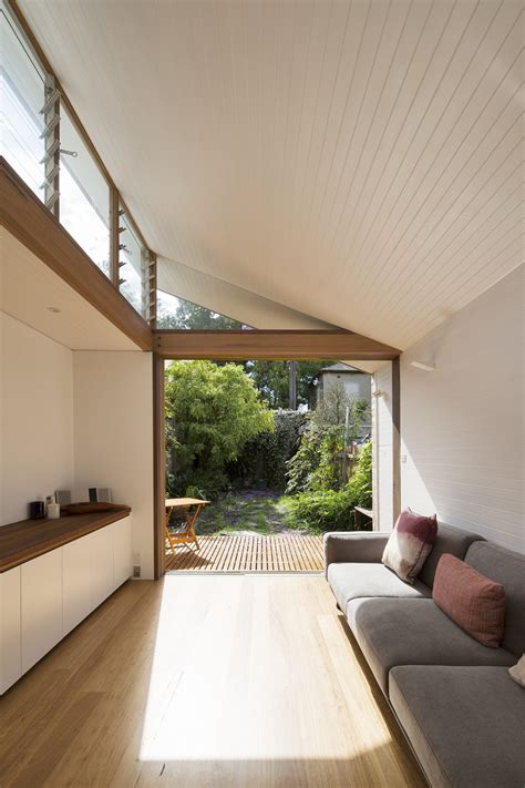 narrow house interior design courtyard house petersham adriano pupilli architects
