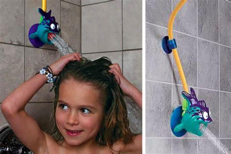 ragazze si fanno la doccia 10 modi per rendere il vostro bagno un paradiso per bambini
