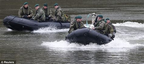 river thames inflatable boat oxford triumph over cambridge in 159th boat race beating
