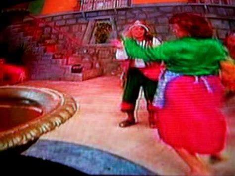 el cholo juanito y richard el cholo juanito y richard douglas vieja loca bailando