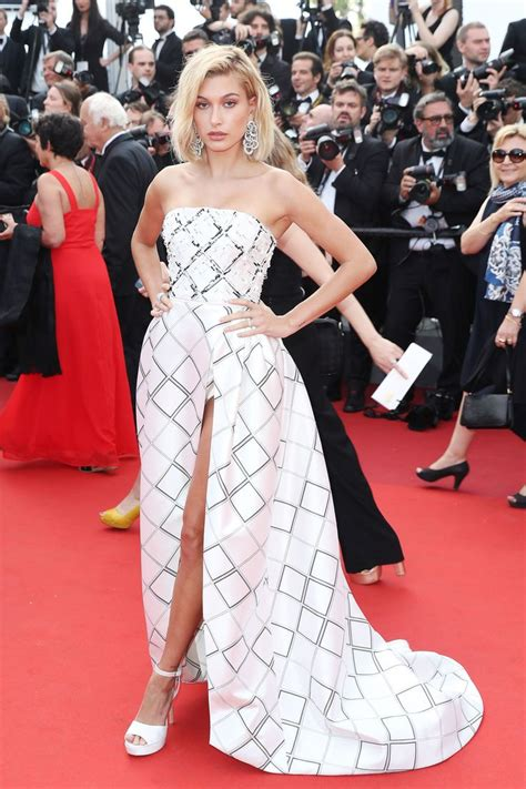 Festival Fashion Brangelina And Charlize Hit The Carpet In Venice And Deauville by 25 Best Ideas About Carpet Fashion On