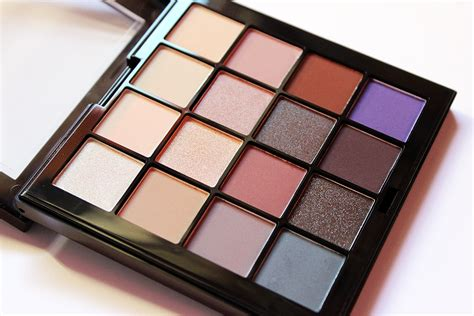 Lipstik Nyx Pallete emptyfloor nyx cosmetics ultimate cool neutrals shadow palette swatches and review