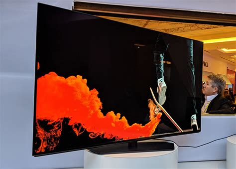 dell at ces 2019 alienware 55 inch 4k 120 hz oled gaming monitor showcased