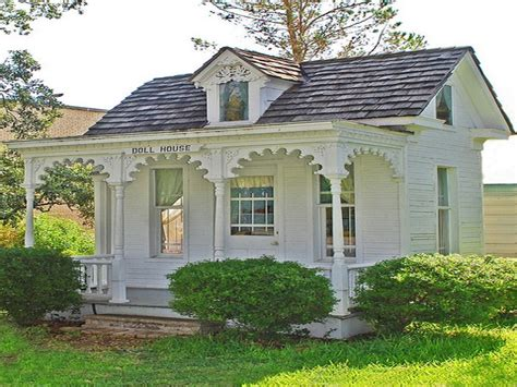 Tiny Victorian House Tiny Romantic Cottage House Plan | victorian cottage house plans small house plans